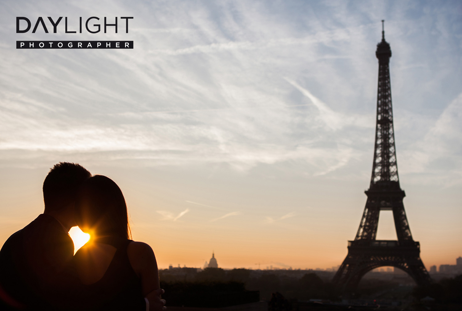 romantic photoshooting city of lights paris
