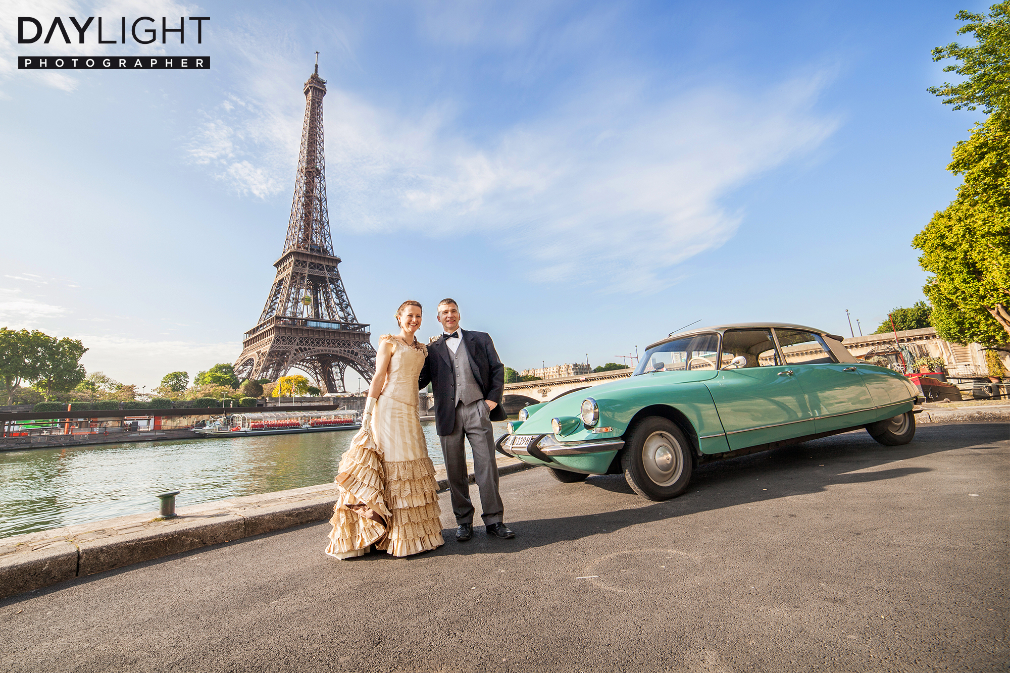 Citroën DS and eiffeltower wedding in paris