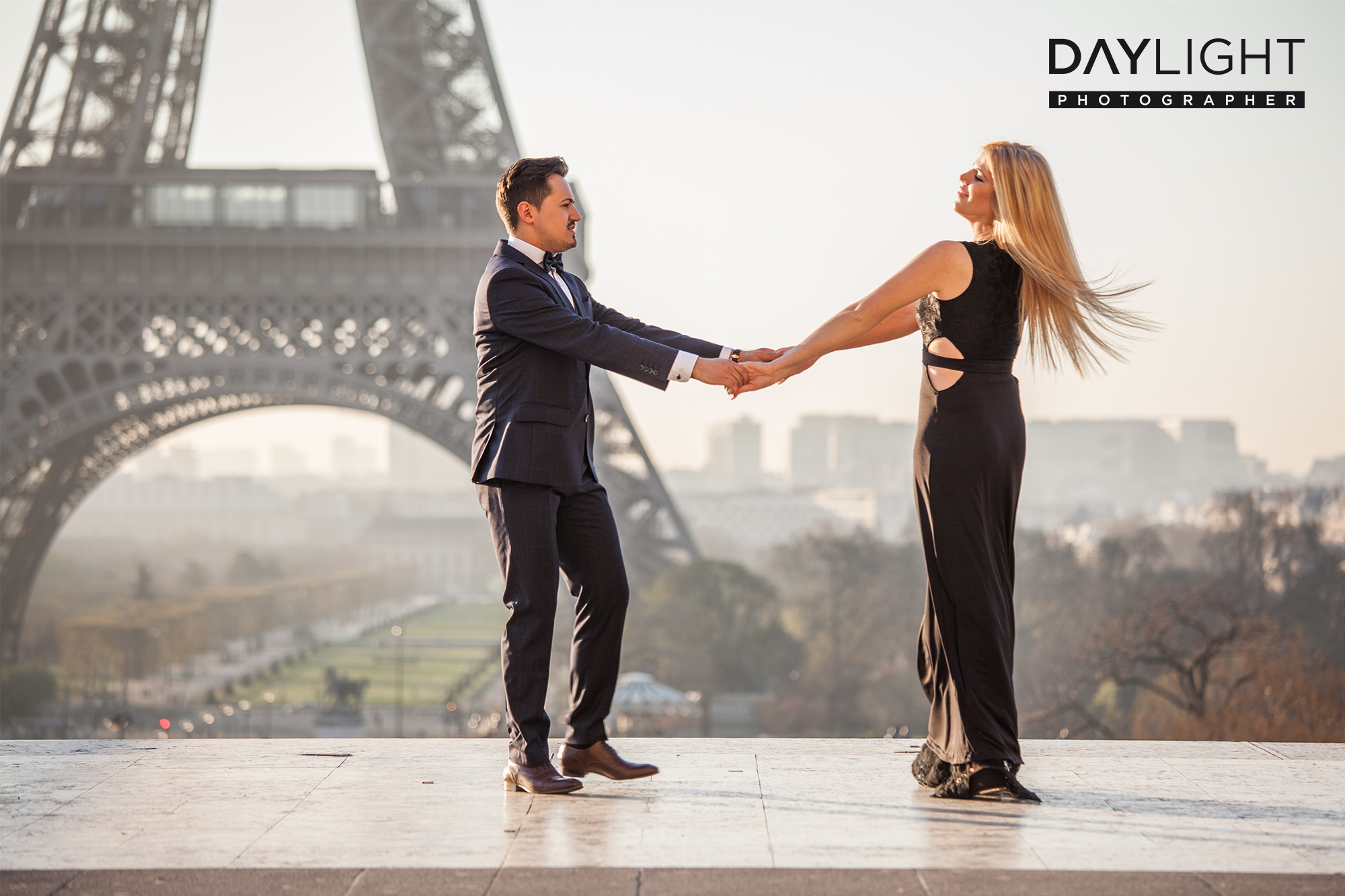 eiffeltower photoshooting couples booking