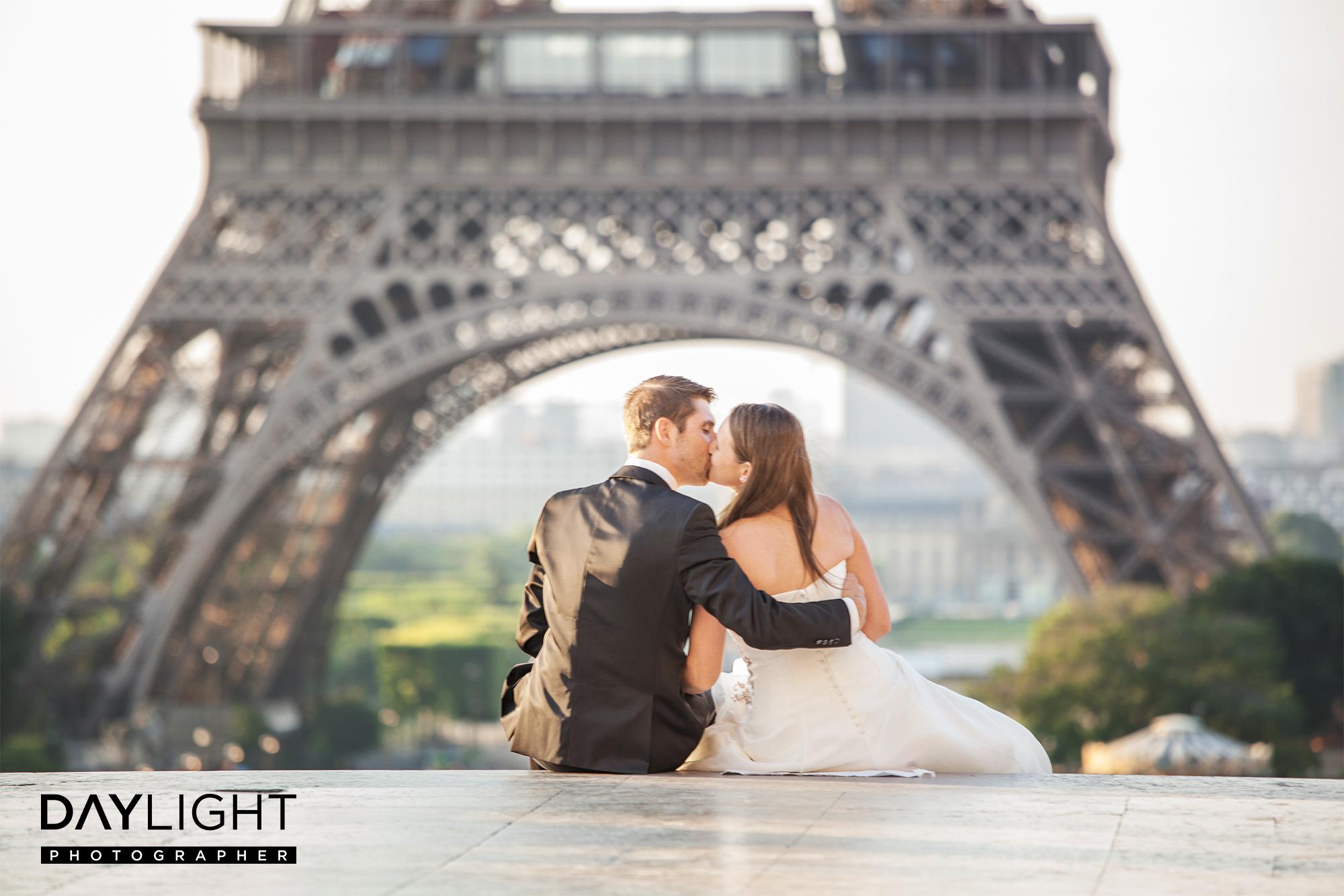 romantic wedding photographer paris