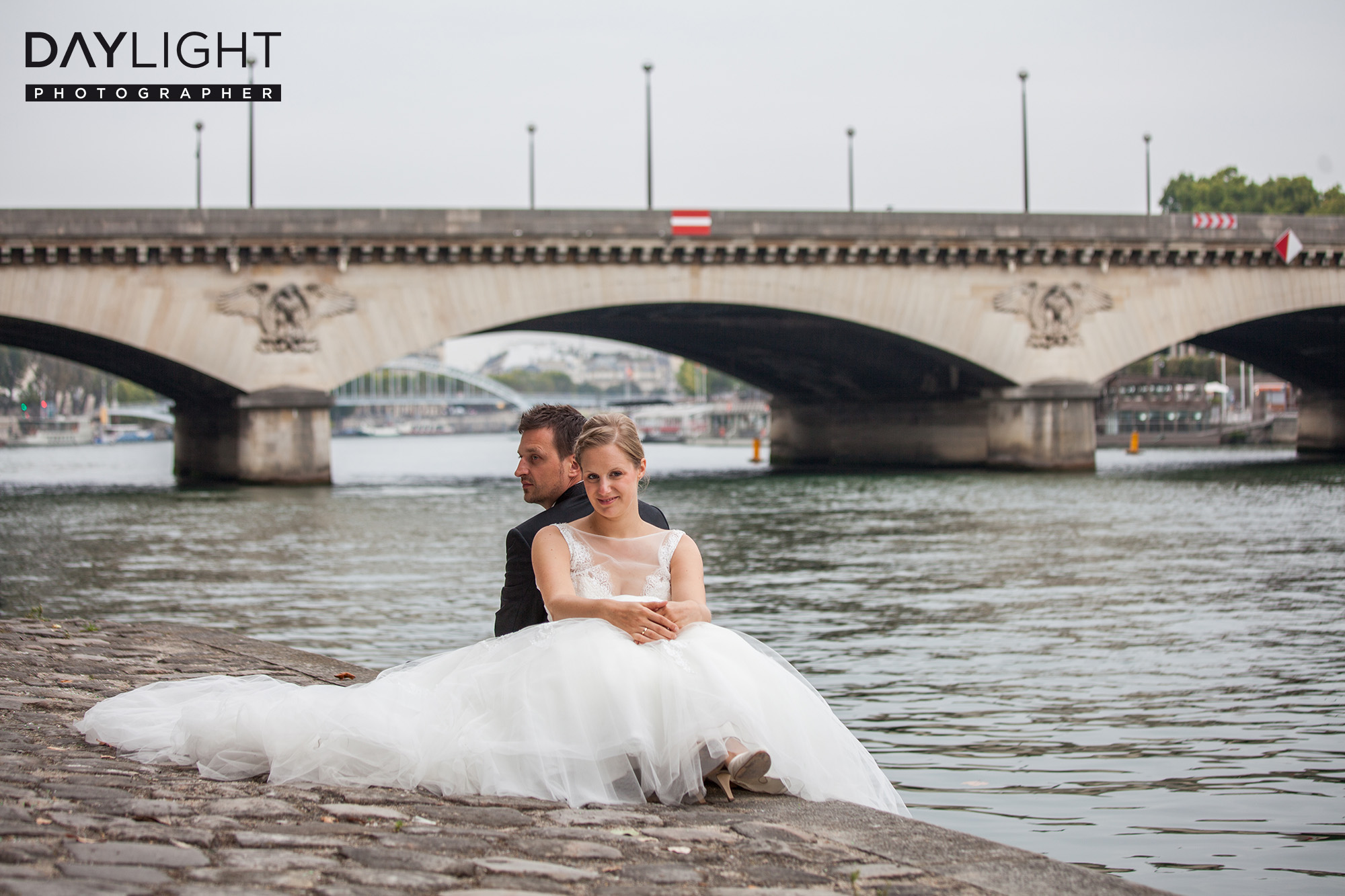 wedding photographer in paris booking