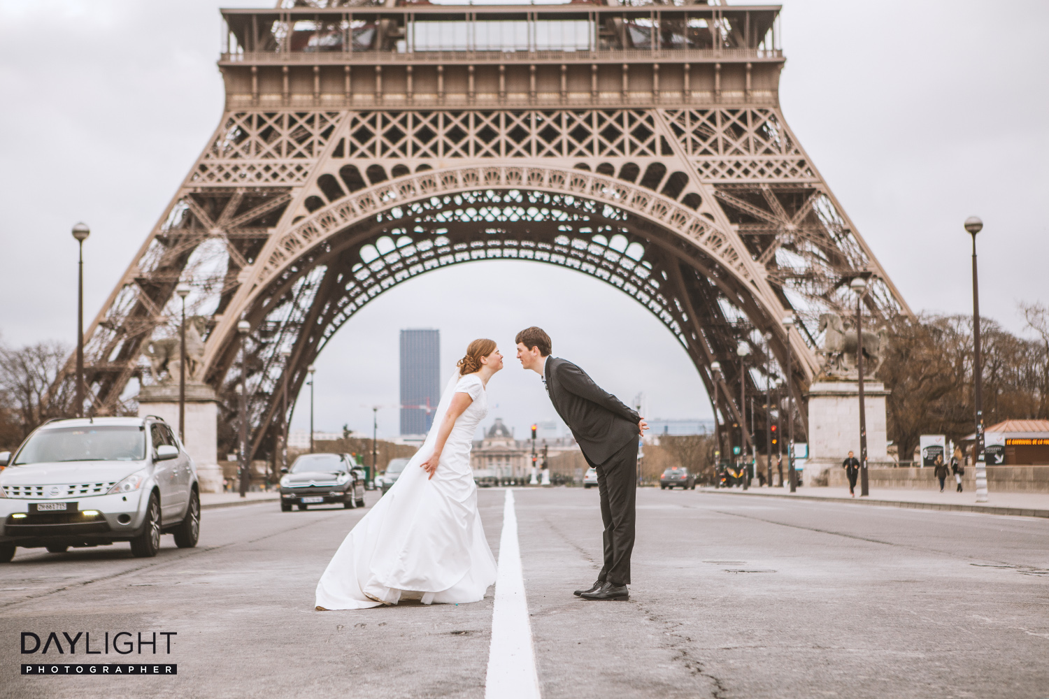 wedding photoshooting in paris